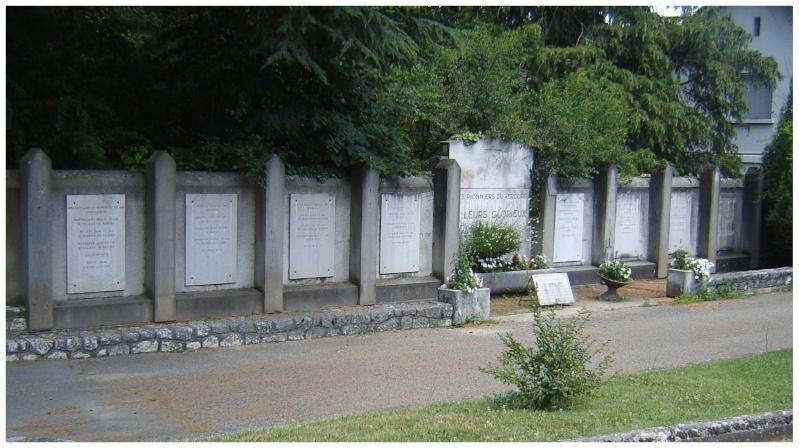 MEMORIAL de Saint Nazaire en Royans dans le Vercors. 710