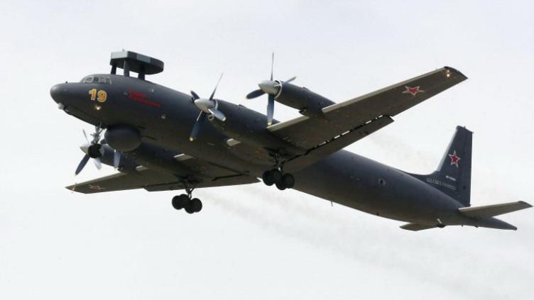 Aéronavale et bombardiers soviétiques et russes - Page 2 Il38n10