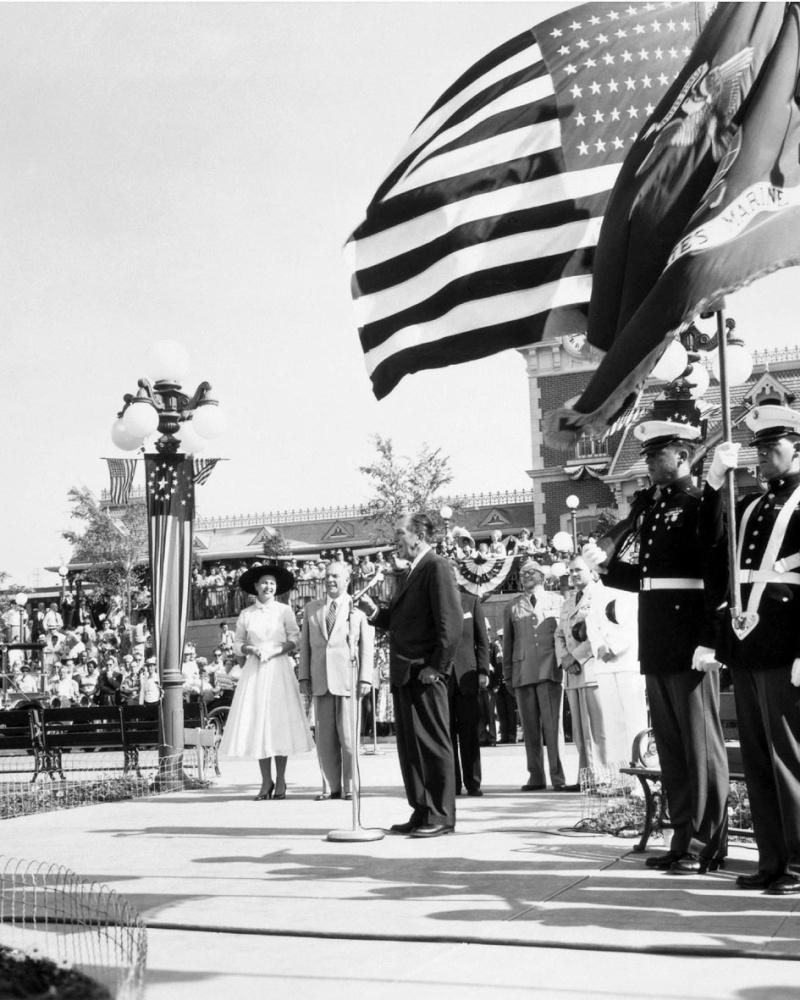 Disneyland: archives des années 50 Op_pho13