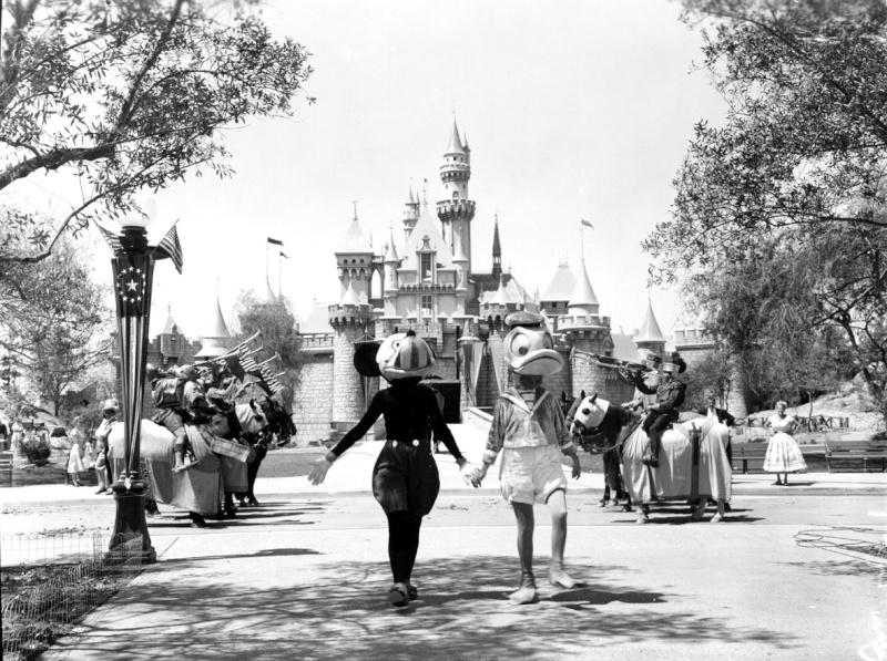 Disneyland: archives des années 50 Op_pho17