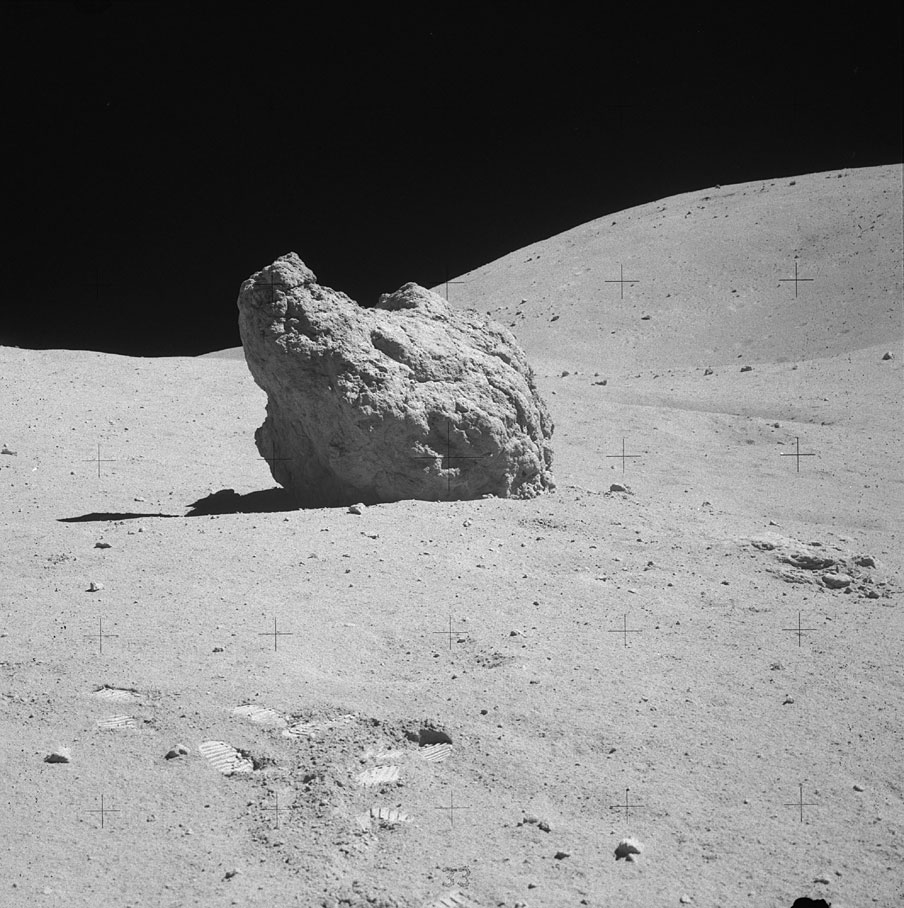 Apollo 16 EVA 3 - House Rock Anomalies As16-110
