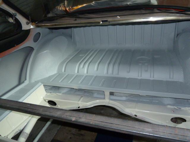 denis du bas rhin et sa Karmann Ghia de 73 sortie de grange - Page 13 P1100517