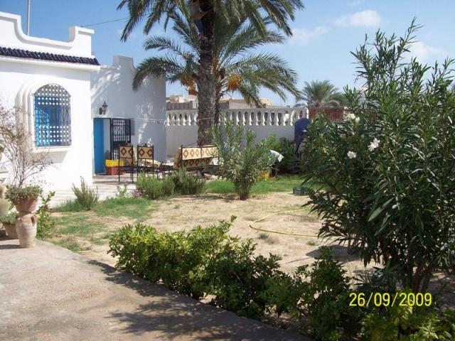 La Tunisie pays démocratique... 100_0111