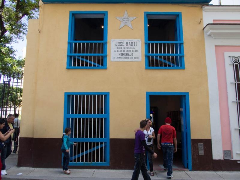 Les poètes cubains - Page 2 Pb024410