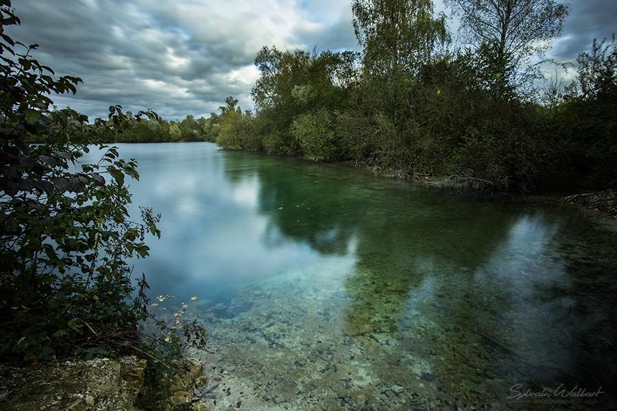 Le lac bleu, des menhirs, et la tache solaire Img_4410
