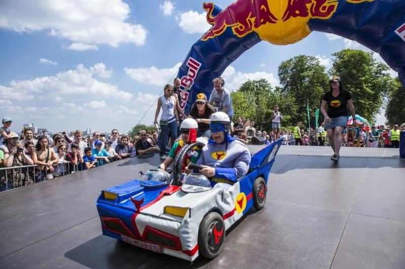 Red Bull Caisses à Savon à Saint Cloud  Red-bu10