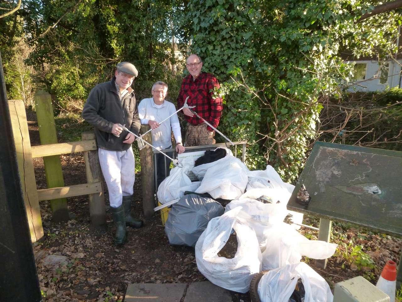 Sat 13th December - River Crane clean-up P1040710