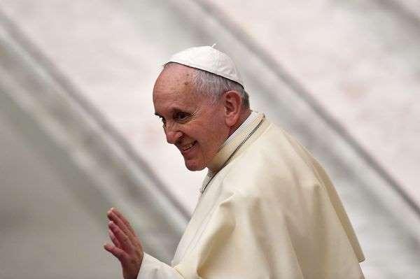 Le Pape applanit le sentier de l`Antéchrist Bbgwuo10