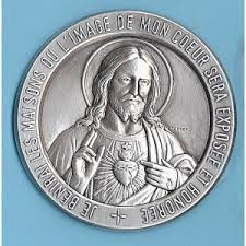 SONDAGE : Cette Médaille du Sacré-Coeur serait-elle satanique ? Sans-t38