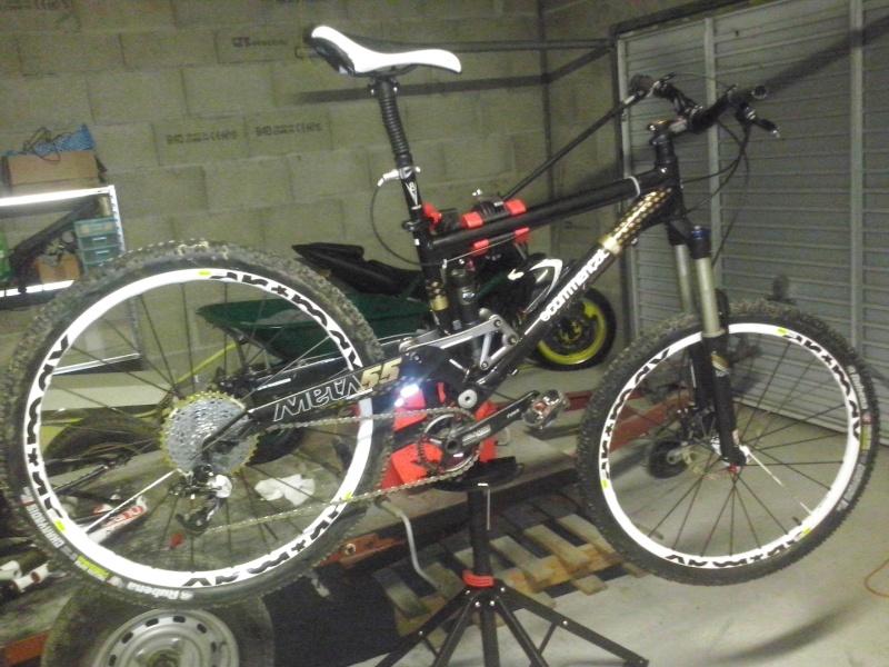 et un nouveau vélo  - Page 2 Cam00211