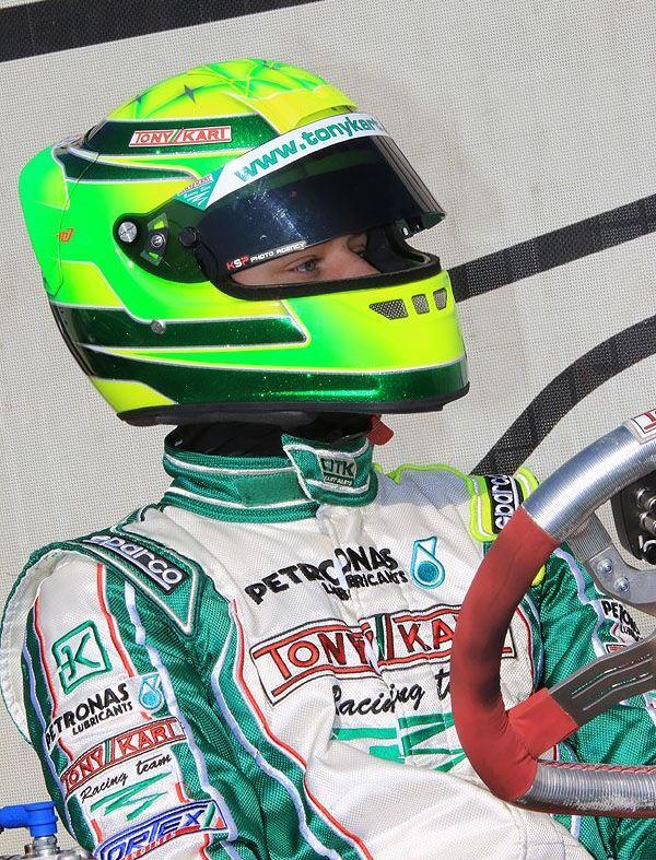 Michael Schumacher - World Champion 94 - 95 - 2000 - 2001 - 2002 - 2003 - 2004 - Page 23 Jnkl10