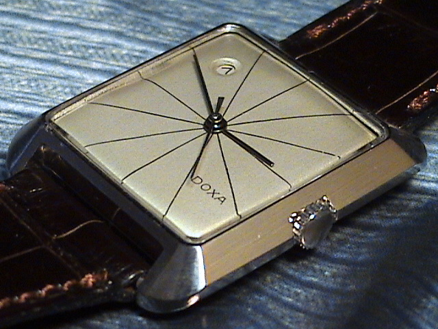 Quelle est votre montre la plus vieille ? - Page 2 Dsc01110
