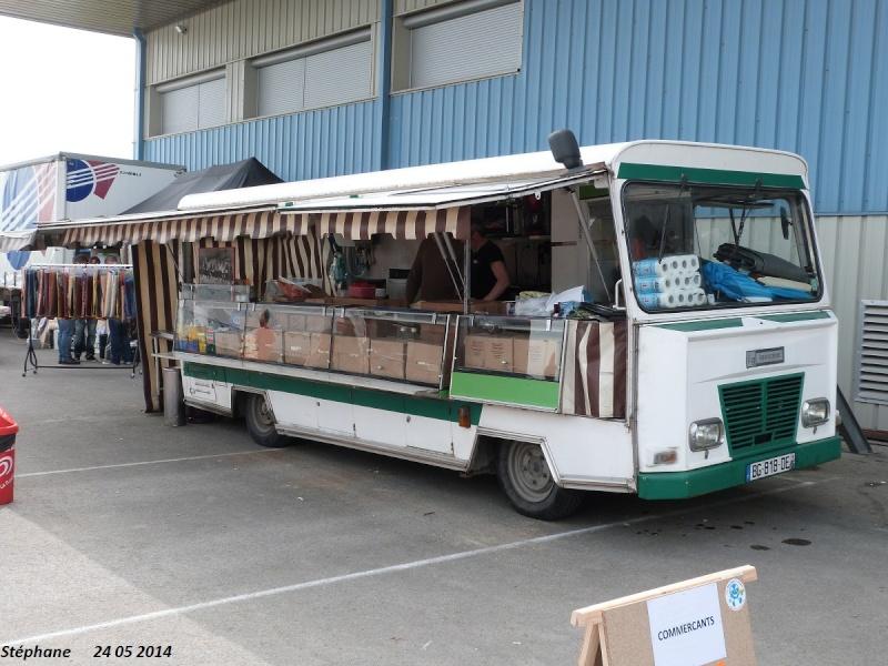 Les camions magasins (Pizza, marchés, etc etc) - Page 2 P1240115