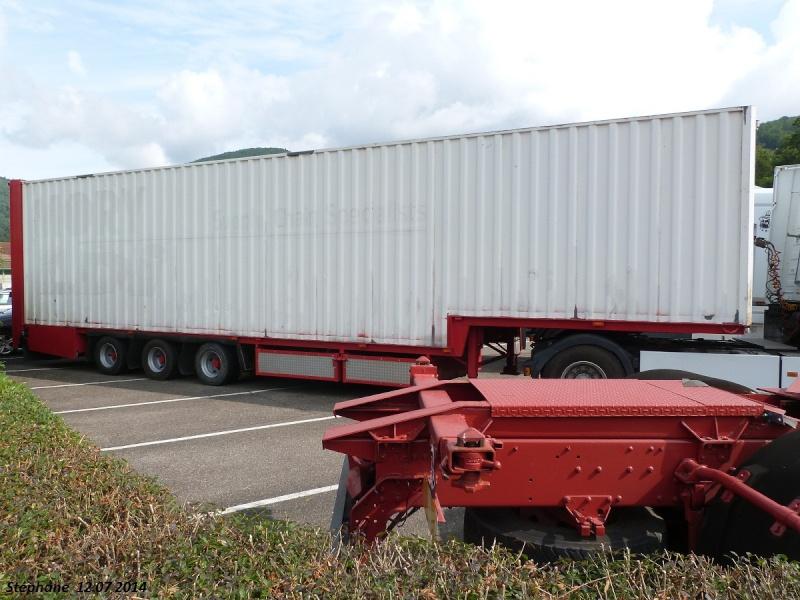 Les Camions des forains - Page 4 P1250048