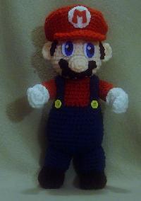 Vitrine des poupées et personnages de dessins animés. TOUTES A VOS CROCHETS  Mario_10
