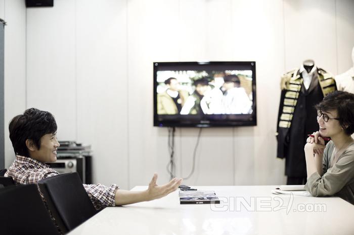 CINE21 de nouvelles photos! 20120910