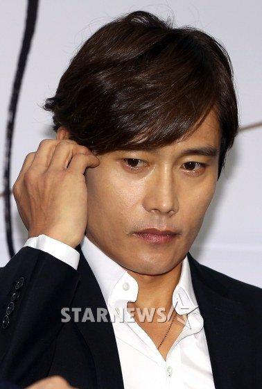 Lee Byung Hun victime d'un chantage! Chanta10
