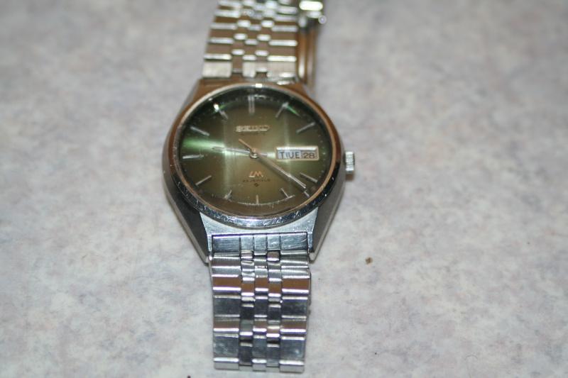 Un nouveau qui présente ses quelques montres automatique Img_9717