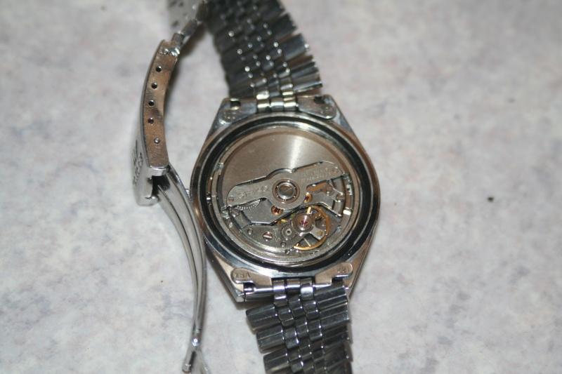 Un nouveau qui présente ses quelques montres automatique Img_9718