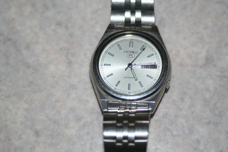 Un nouveau qui présente ses quelques montres automatique Img_9719