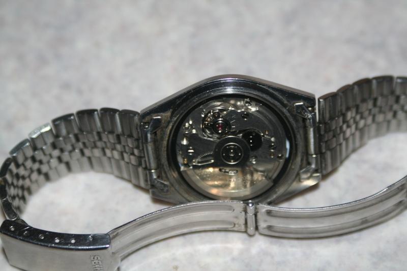 Un nouveau qui présente ses quelques montres automatique Img_9720