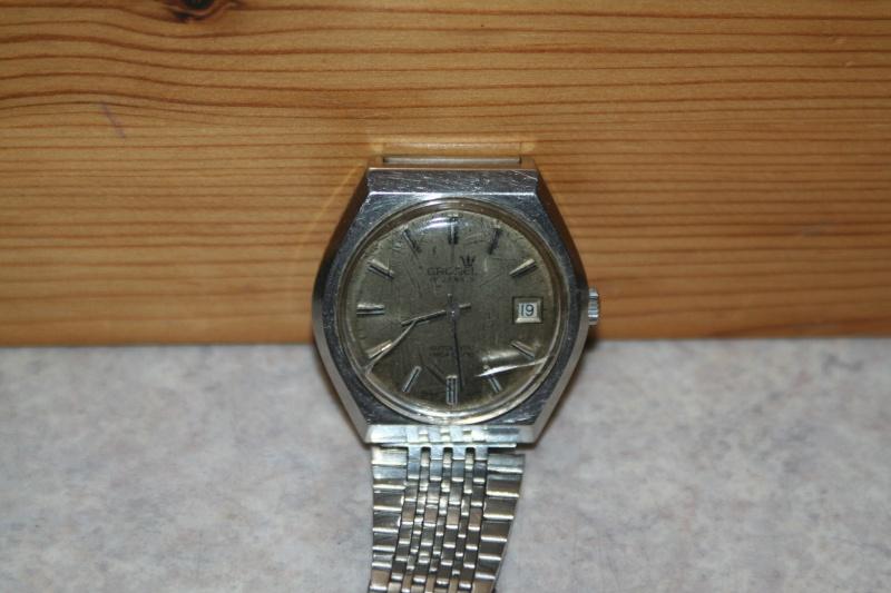 Un nouveau qui présente ses quelques montres automatique Img_9723