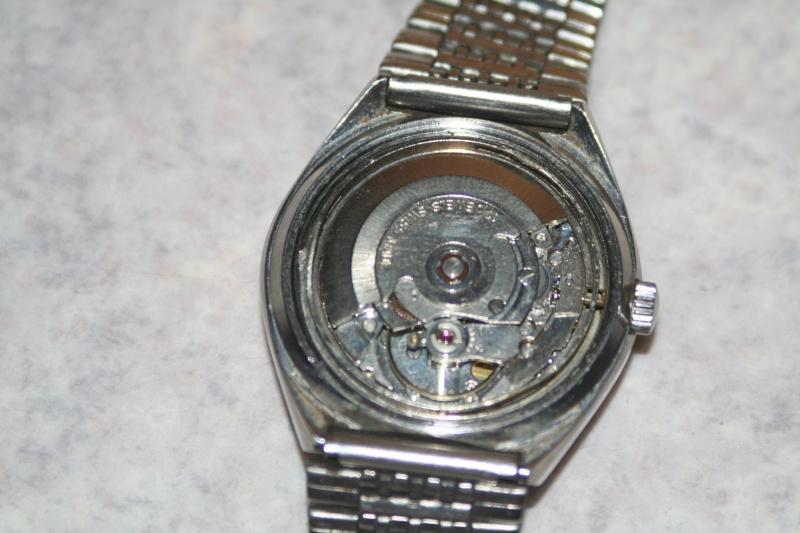 Un nouveau qui présente ses quelques montres automatique Img_9821