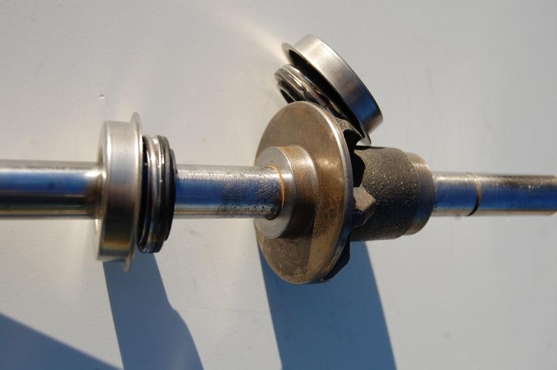 Axe de pompe à eau Pompe_11