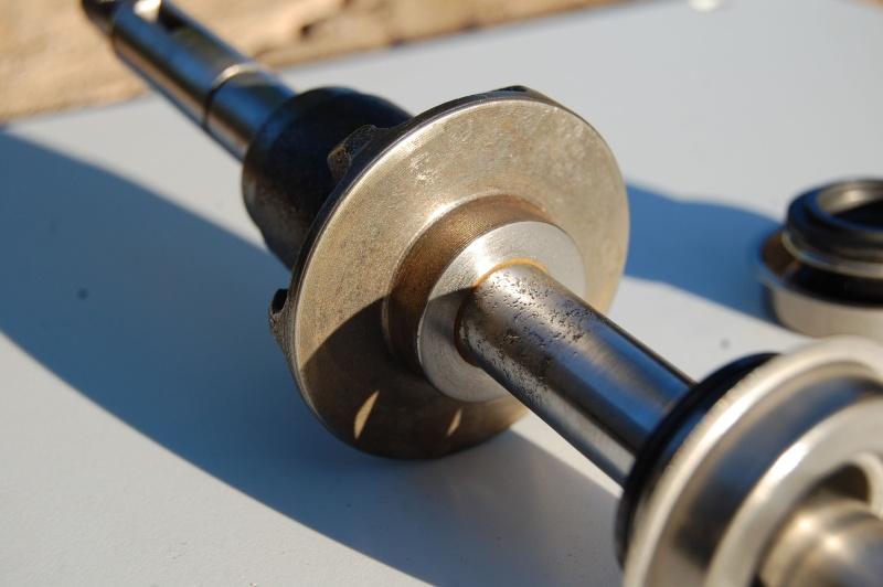 Axe de pompe à eau Pompe_12