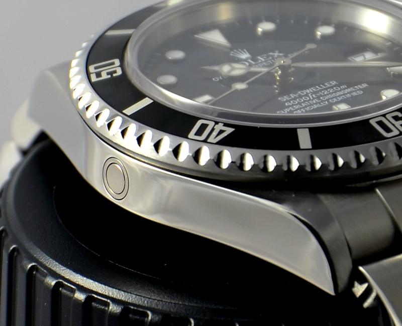 Dweller - Rolex Sea Dweller 16600 versus Omega Planet Ocean 2500 Valve_11