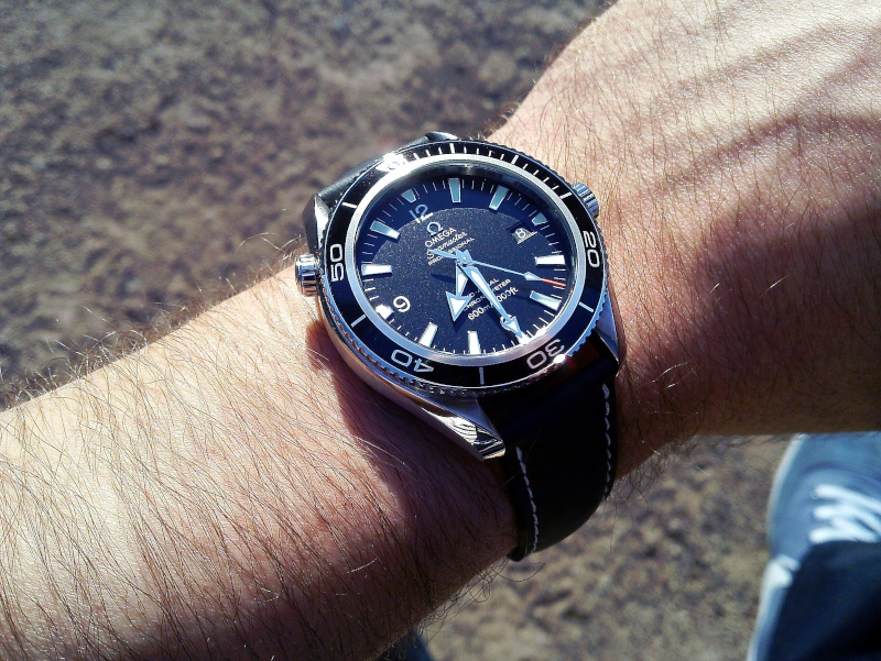Dweller - Rolex Sea Dweller 16600 versus Omega Planet Ocean 2500 Wrist_10