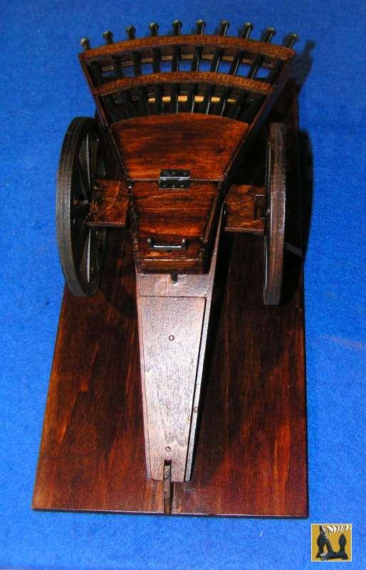 Amandine vous présente le montage de  la mitrailleuse de Léonard de Vinci 2011