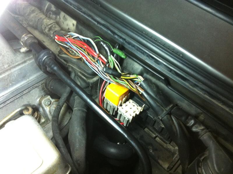 [ BMW E30 Touring 324TD an 1988 ] Consommation anormale de courant (résolu) Img_5510