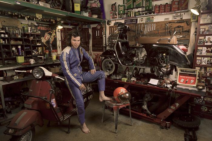 Les garages, les pièces mécaniques d'ici et d'ailleur.... Motard10