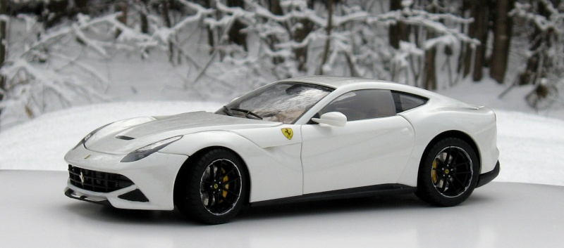 Ferrari F12 2_new11
