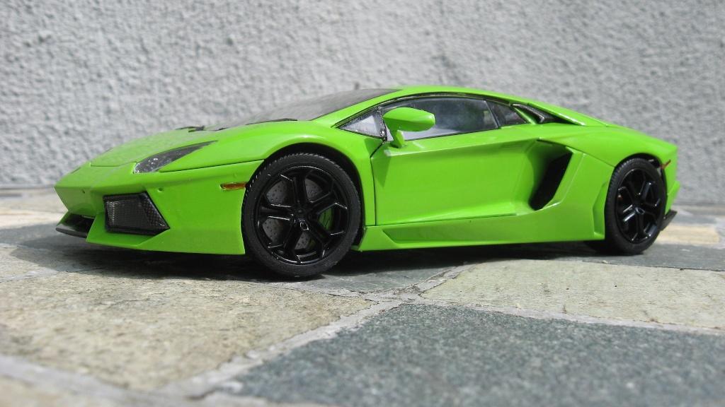 Lamborghini Aventador Img_2010