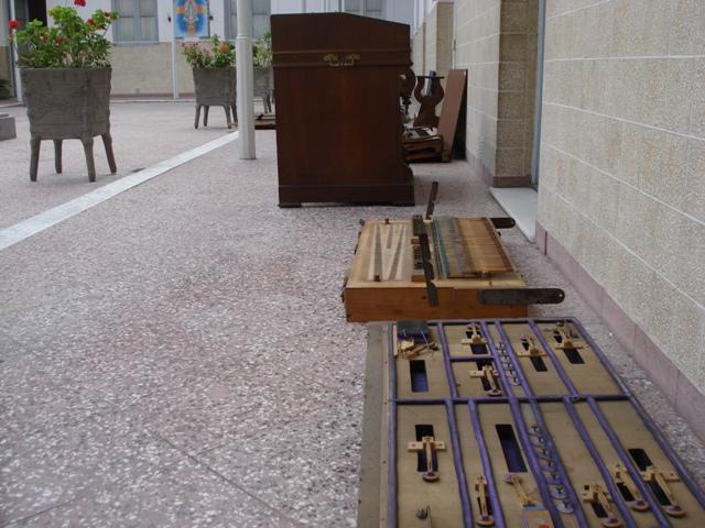 Harmoniums Alexandre Pere & Fils Dsc07618
