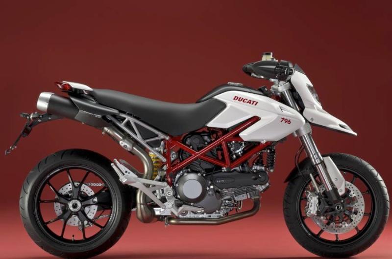 Modèles Hypersport 2013 ? - Page 3 Ducati13