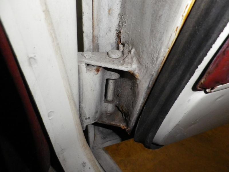 Réparation charnière porte  R6_18710