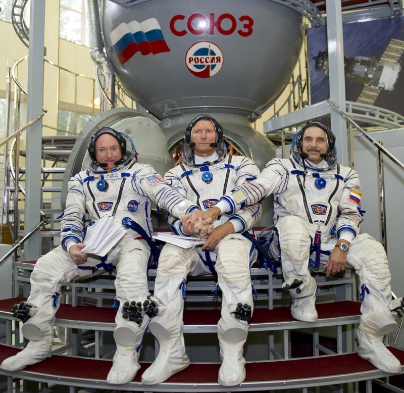Lancement Soyouz-FG / Soyouz TMA-14M - 25 septembre 2014 Soyuz_25