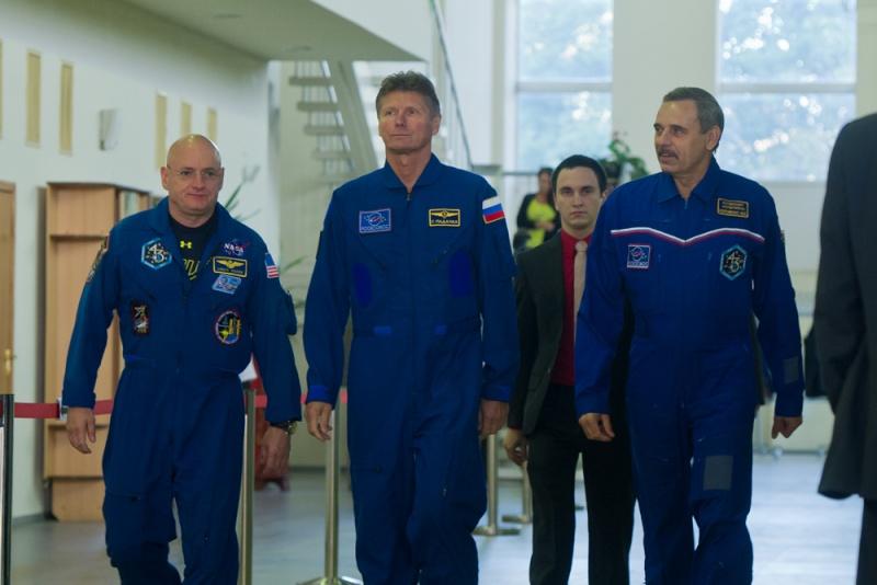 Lancement Soyouz-FG / Soyouz TMA-14M - 25 septembre 2014 Soyuz_30