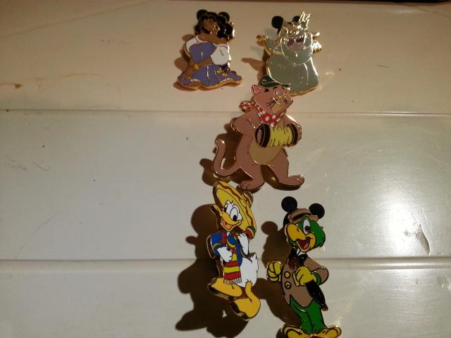 Le Pin Trading à Disneyland Paris 20140714