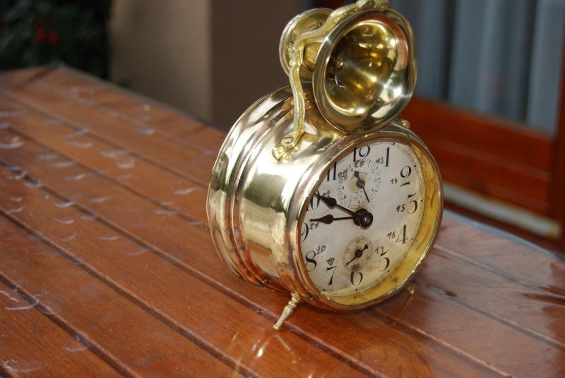 Un post qui référence les montres de brocante... tome III - Page 11 Reveil10