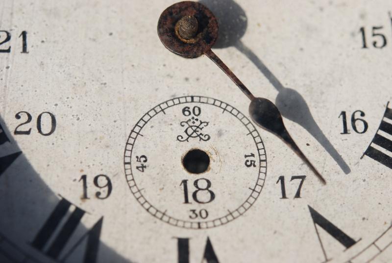 Un post qui référence les montres de brocante... tome III - Page 11 Ryveil10