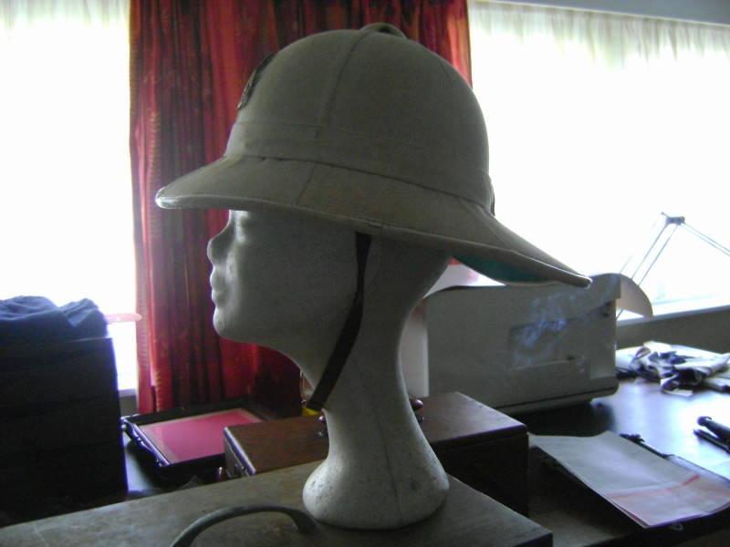 Montrez vos casques tropicaux - Page 2 Dsc07612