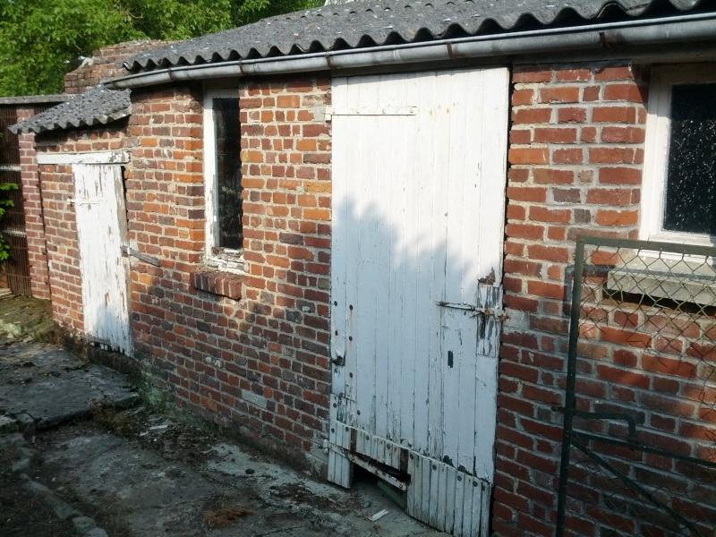 Réalisation de menuiserie extérieur pour un abri jardin Img_2011