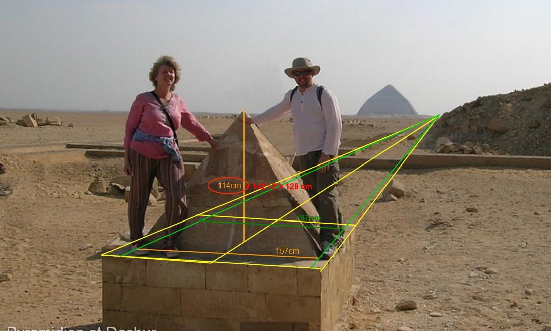 La révélation des pyramides - Page 16 Pyrami10
