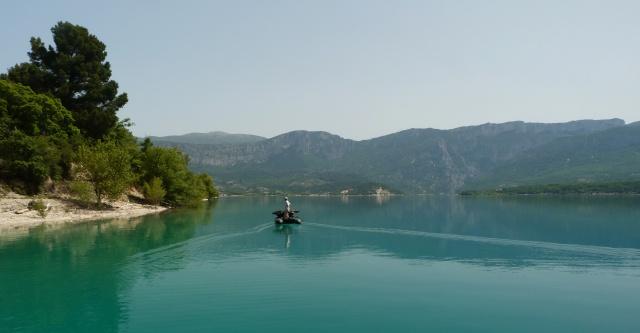 Grand lac: en immersion dans le canard wc du sud est P1120611