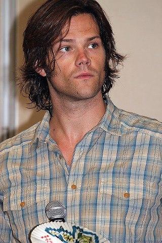 PHOTOS de Jared - Page 8 40089610