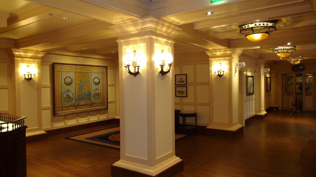 Rénovation de l'hôtel Disney's Newport Bay Club (photos de l'intérieur des chambres page 2) - Page 22 Dsc02812